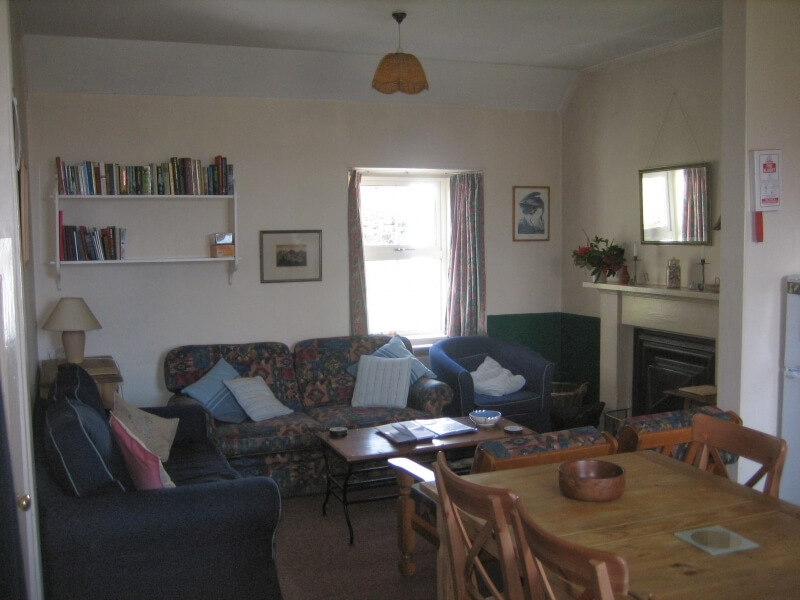 The Old School House - Kitchen Sitting Area